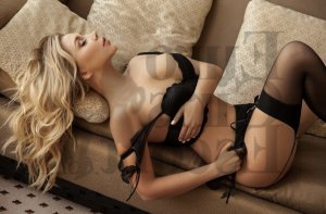 Medaline escort girls in Waukegan Illinois