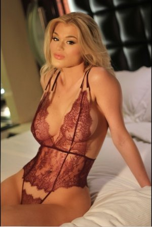 Ryhanna escort girl in La Presa California
