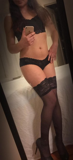 Almudena escort girl