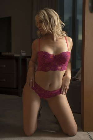 Nucia escort in Richmond Kentucky