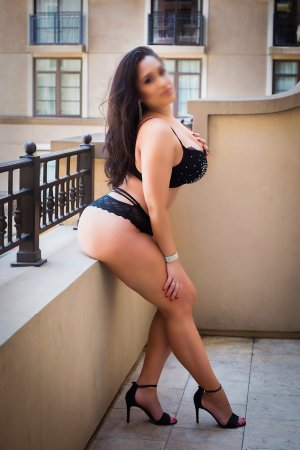 Khelissa live escort in California