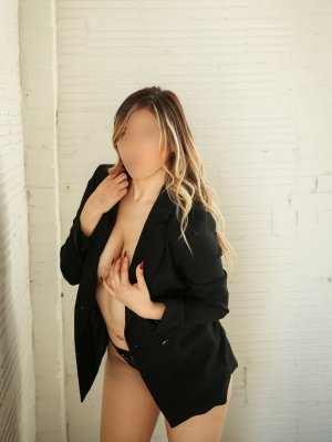 Fleurina escort girl in Idaho Falls
